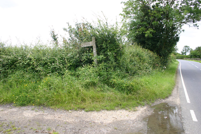 Footpath and signpost (part of Turpin's Trail).