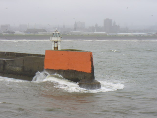 North Pier Light, Aberdeen