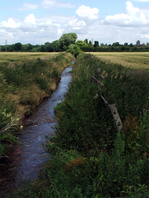Stream passing under Sookholme Road (B 6047)