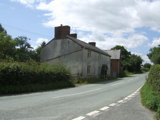 Farm cottages in Little Worthen