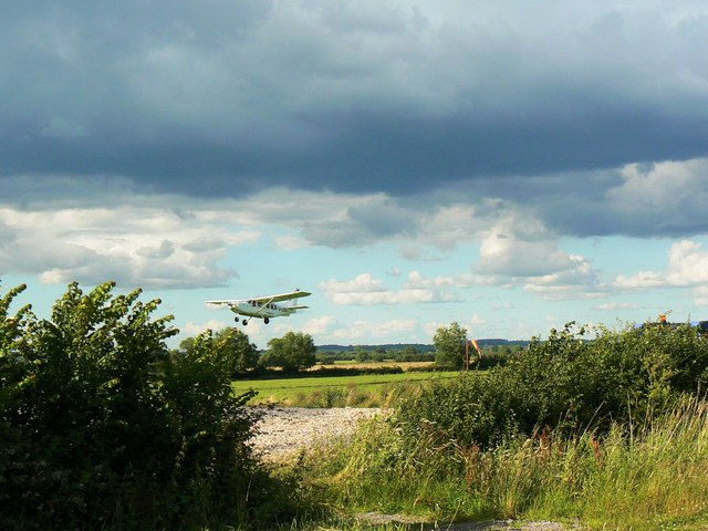 Redlands  Flying School, Wanborough (1)