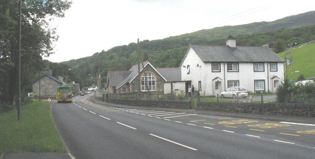 The A470(T) through Ganllwyd village