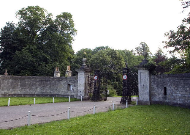 Entrance into Grimston Park