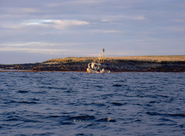 Sunk boat off Point of Vestness, Papa Westray