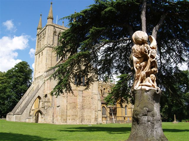 Pershore Abbey tree sculpture