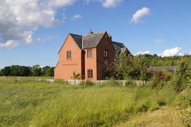House near Cholmondeley Castle
