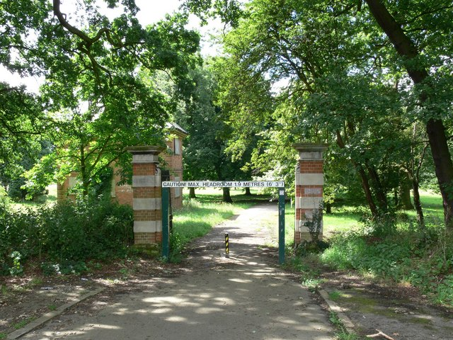 North entrance to Braunstone Park, Leicester