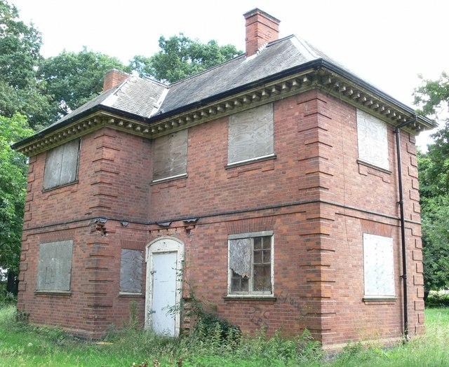 A derelict Braunstone Park Lodge