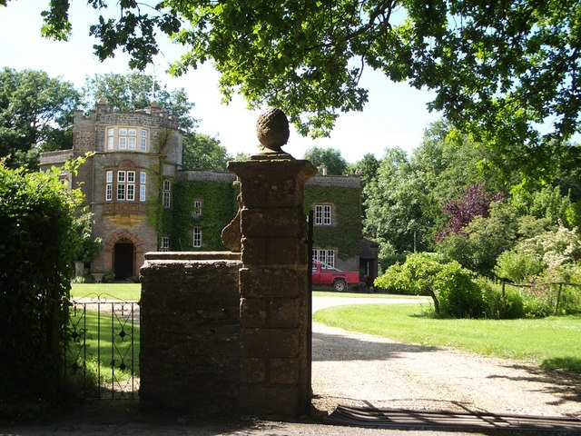 Hilfield Manor