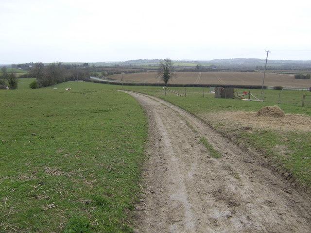 Gated lane near Farnborough