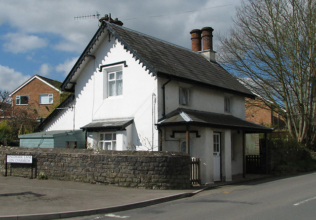 Chepstow - Crossway Green Toll House