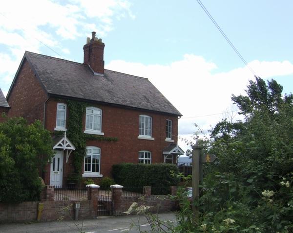 Farm cottages, Winsley