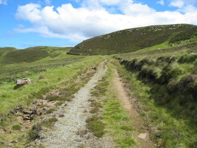Track to Sneosdal