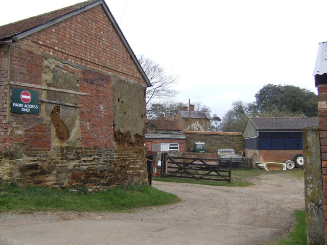 Farm yard in Teeton