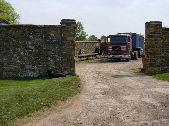 Entrance to Little Court Farm