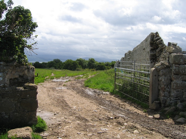 Gateway and Deer Park Wall