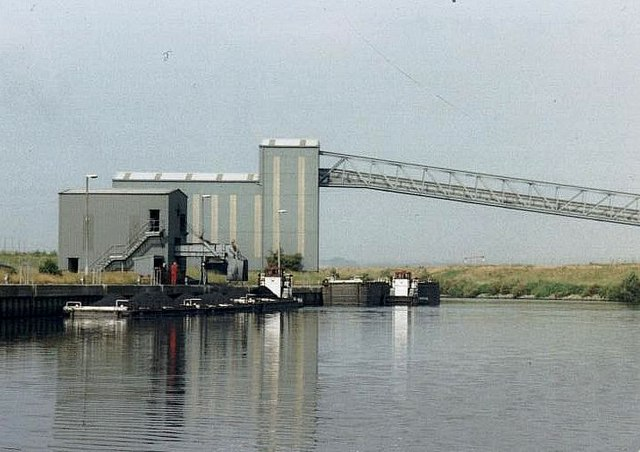 2001 : Astley Loading Staithe