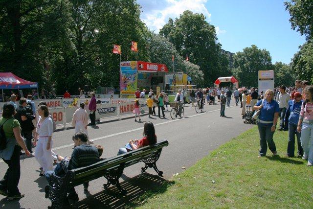 Albert Memorial Road, Kensington Gardens