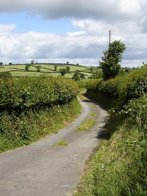 Lane to Hendre