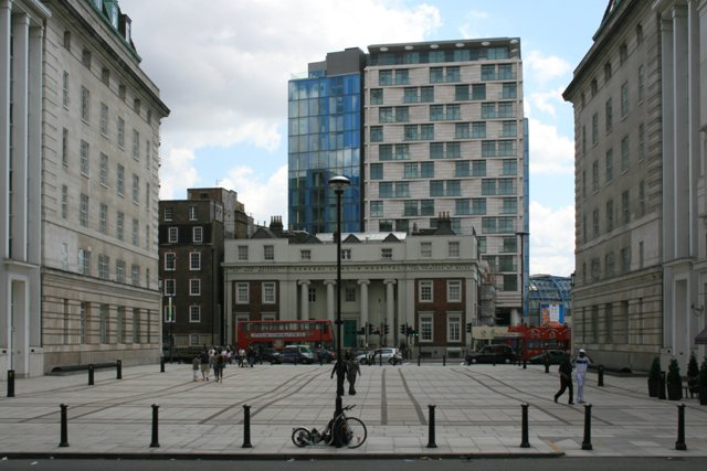 Forum Magnum Square