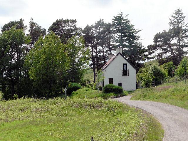 Pretty house on B871
