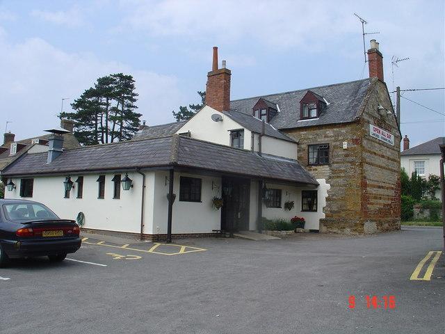 White Hart pub Hackleton
