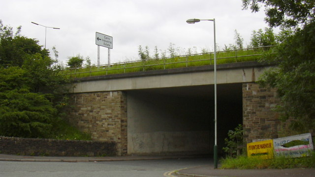 Flip Road passing under the A56