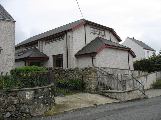 Neuadd Bentref Rhiwlas Village Hall