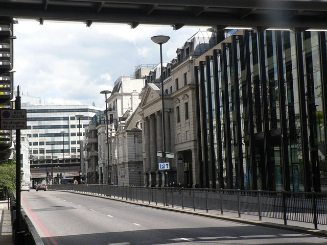 City of London: Upper Thames Street
