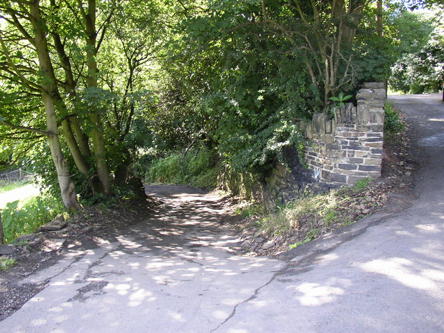 Walterclough Lane, Hove Edge, Brighouse