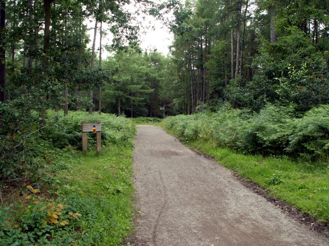 Entrance to Haw Park Woods