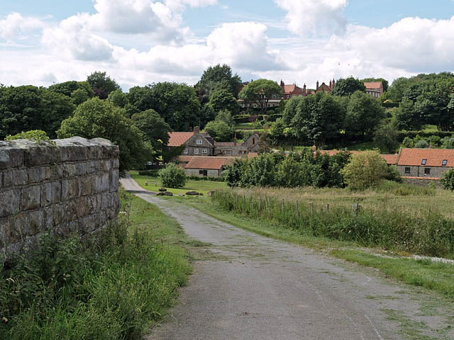 Lane to Cloughton