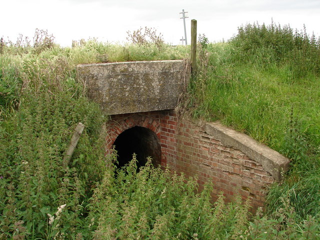 Brick tunnel leading to Head Dike