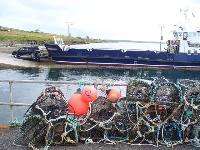 MV Eynhallow at Rousay Pier