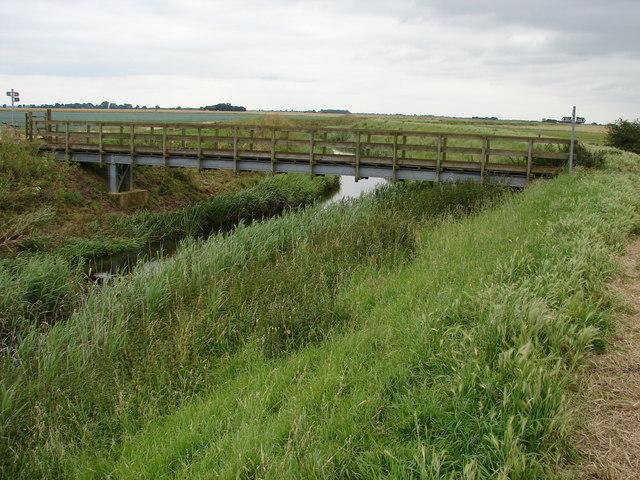 Footbridge at Head Dike (2)