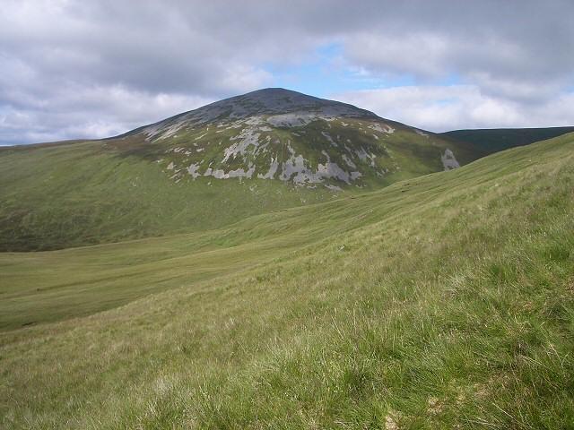 Descending Sron na Gaoithe