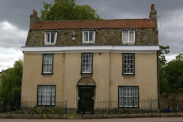Wentworth House, Chesterton Road