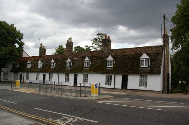 Cottages, Chesterton Lane