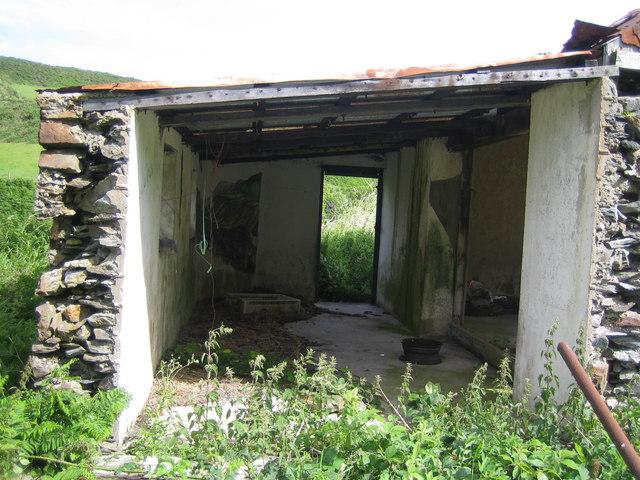 Derelict building (formerly cafe) near Fleshwick Bay