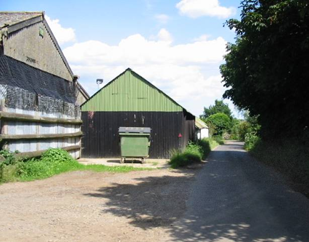 Farm buildings near Chislet Forstal