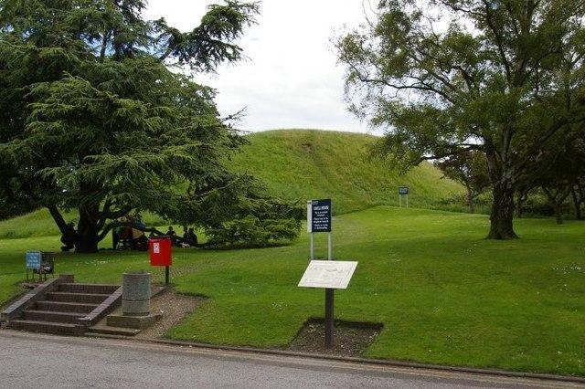 The Castle Mound, Castle Street