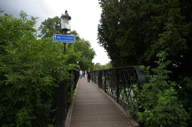 View across Jesus Lock bridge