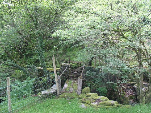 Footbridge over Nant y Gath