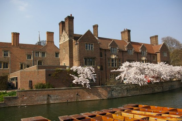 View across River Cam, showing Magdalene College and a few punts