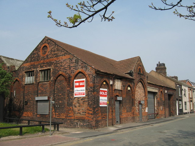 Victoria Lee Stables, Widnes