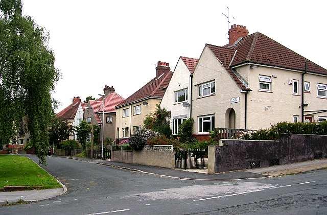 St James' Crescent