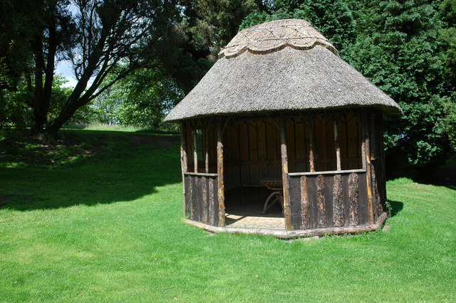Thatched summerhouse, Little Malvern Court