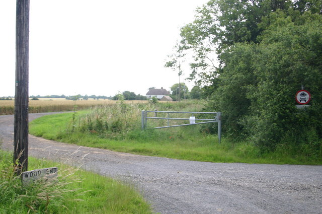 The entrance to Wood End farm