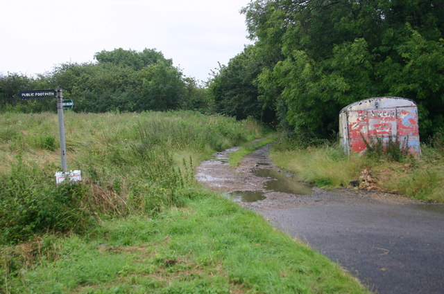 Bridleway and footpath off the Thurleigh road
