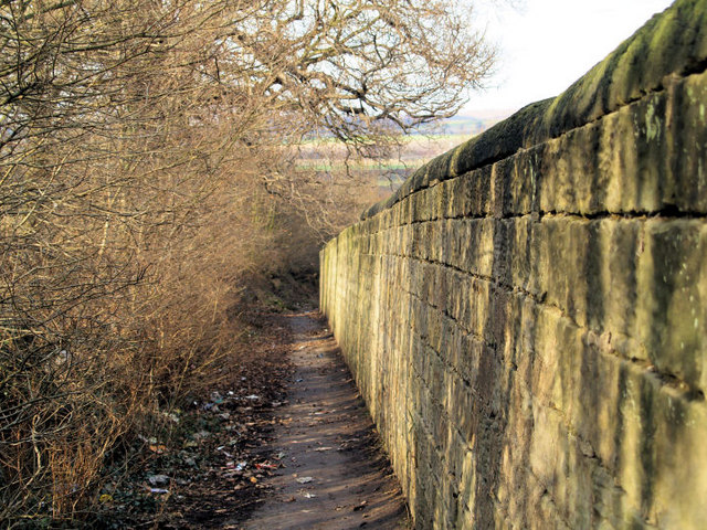 Bridleway to Little Houghton.